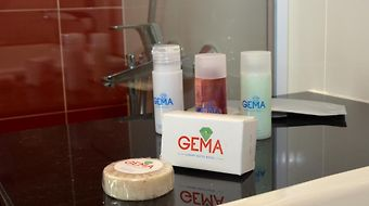Gema Luxury Suites photos Room