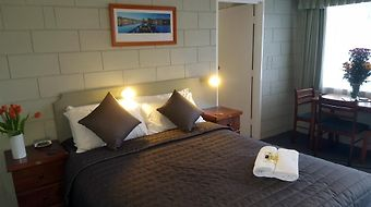 Daylesford Central Motor Inn photos Room