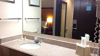 Norwood Inn And Suites photos Room