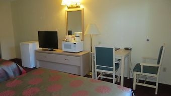 Ramada Limited Calgary photos Room