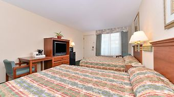 Tower Inn And Suites Of Guilford - Madison photos Room