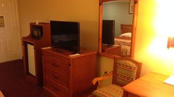 Super 8 Sealy photos Room