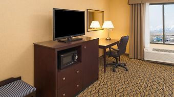 Holiday Inn Express And Suites Browning photos Room