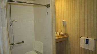 Hilton Garden Inn Oklahoma City Airport photos Room Accessible Roll-In Shower
