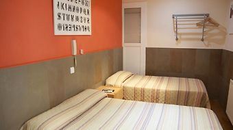 Budget Hostal Ramblas photos Room