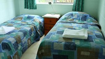 Coral Reef Apartments photos Room