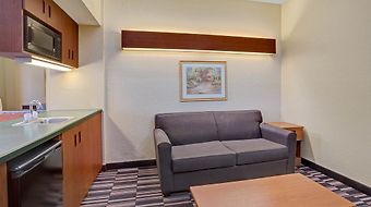 Microtel Inn & Suites By Wyndham Bushnell photos Room