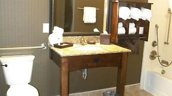 Teddys Residential Suites Watford City photos Room