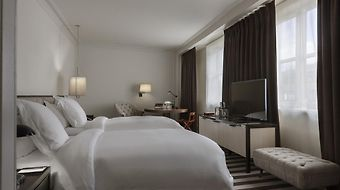 Rosewood London photos Room