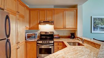 Homewood Suites By Hilton Mont-Tremblant Resort photos Room Kitchen View
