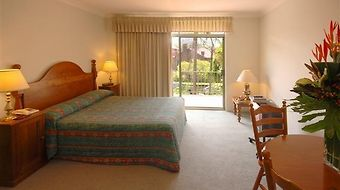 The Belmore All-Suite Hotel photos Room