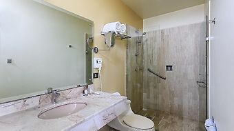 Howard Johnson Hotel Villahermosa photos Room