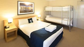 Ibis Styles Canberra Narrabund photos Room