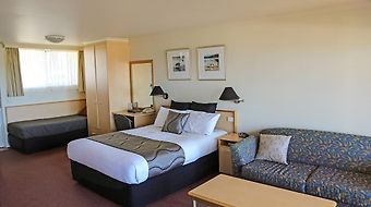 Amooran Oceanside Apartments And Motel photos Room