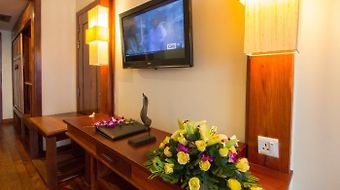 Royal Empire Hotel photos Room Television