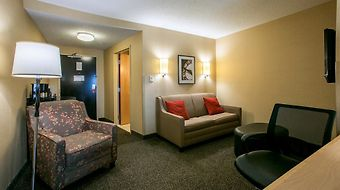 Cambria Suites Indianapolis Airport photos Room