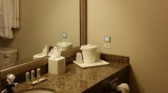 Quality Inn & Suites Riverfront photos Room