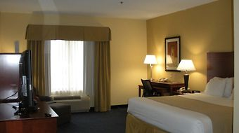 Holiday Inn Express & Suites Anniston photos Room