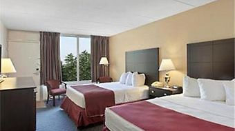 Ramada Grayling Hotel And Conference Center photos Room