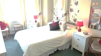The Alpha Guest Accommodation photos Room