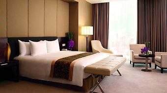 Crowne Plaza West Hanoi photos Room Hotel information