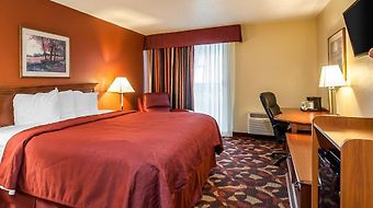 Quality Inn & Suites Worlds Of Fun South photos Room Hotel information