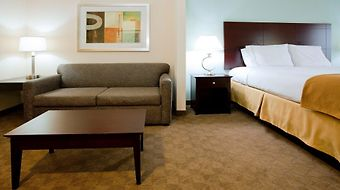 Holiday Inn Express & Suites Greensboro-East photos Room