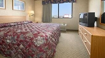 Days Inn Hillsdale photos Room