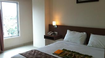 Bunda Hotel Bukittinggi photos Room