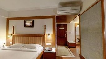 Parijatha Gateway Hotel photos Room