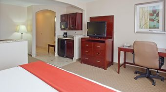 Holiday Inn Express & Suites College Station photos Room
