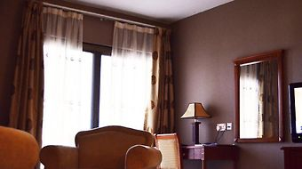Mensvic Grand Hotel photos Room