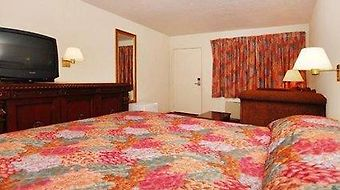 Rodeway Inn Magic Mountain Area photos Room