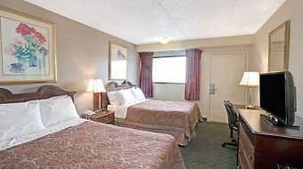 Super 8 Shelby photos Room Standard Two Double Guest Room