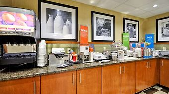 Hampton Inn St. Louis/Westport photos Restaurant Breakfast