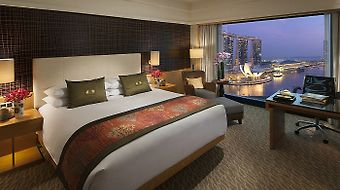 Mandarin Oriental Singapore photos Room Club Marina Bay Room