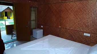 Savithri Inn Bamboo Cottages & Resorts photos Room