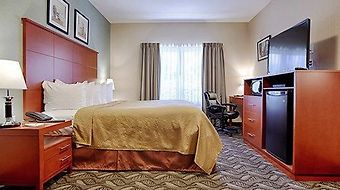 Quality Inn Southampton photos Room Guest Room with Whirlpool