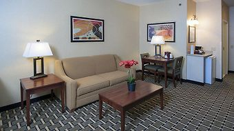 Holiday Inn Express & Suites Youngstown N Warren/Niles photos Room