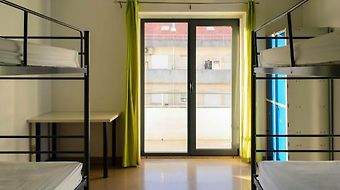 Hans Brinker Hostel Lisbon photos Room S