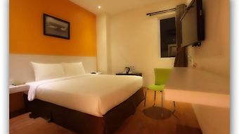 Dragon Inn Kemayoran photos Room