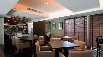 Lily Residence Executive Serviced Apartment photos Exterior Hotel information