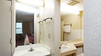 Super 6 Plus Kansas City East Independence Missouri photos Exterior Hotel information