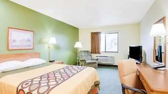 Super 8 Colby photos Room 1 Queen Room