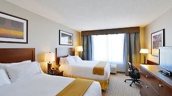 Holiday Inn Express Kelowna Conference Centre photos Room SUPERIOR