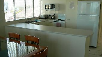 Seafarer Chase Apartments photos Room