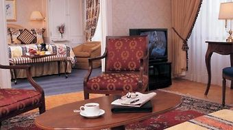 Sutton Place Hotel photos Room Winter Special 5% Off - Suite