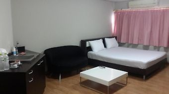 258 Room Place photos Room