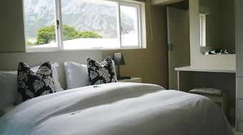 Hermanus Beach Villa photos Room