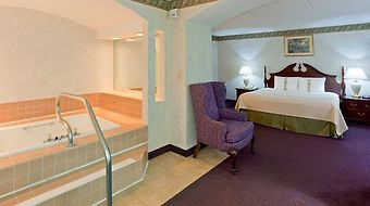 Clarion Hotel & Conference Center photos Room Suite